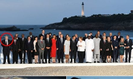 PM Johnson is left in the wings by other world leaders for G7 group photo | Daily Mail Online
