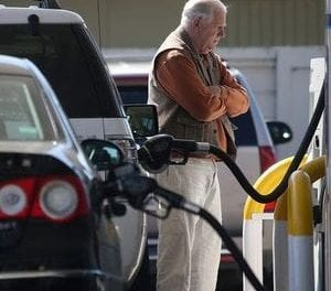 Gas prices: 12 to 15 cents per gallon increase likely in Milwaukee