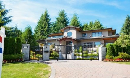 Could a Foreign Buyer's Tax Cool Luxury Canadian Real Estate? – RE/MAX Canada